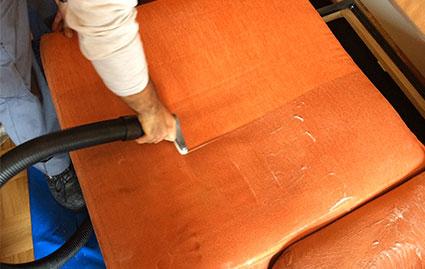 Limpieza de Sofás y Aspirado Intensivo de Tapicerías